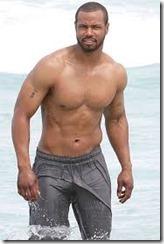 Isaiah Mustafa looks like Drake